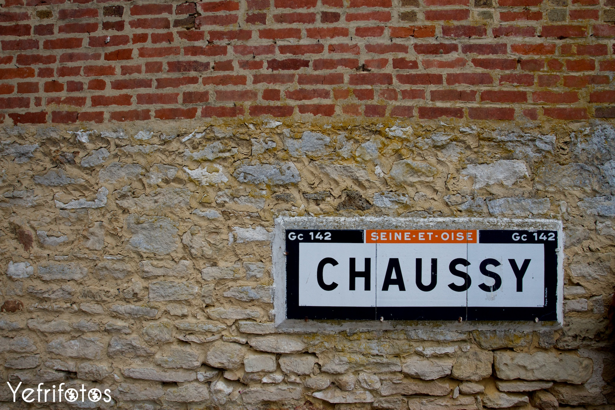 Village Chaussy Paris Mantes